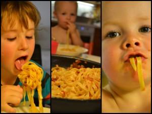 Bruno och Otto äter tagliatelle col prosciutto