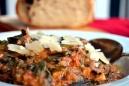 Böngryta med parmesanflagor och god olivolja