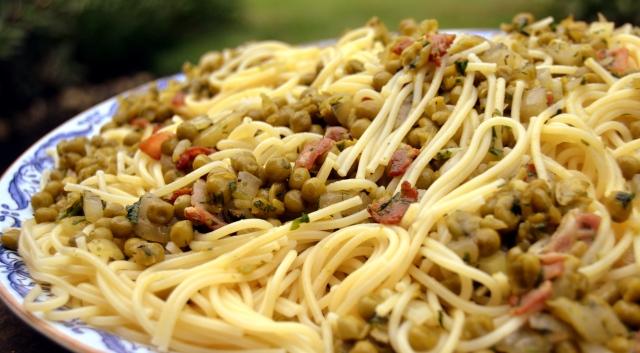 Spaghetti med ärtor