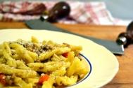 Maccheroni alla bolognese (makaroner med köttfärssås)