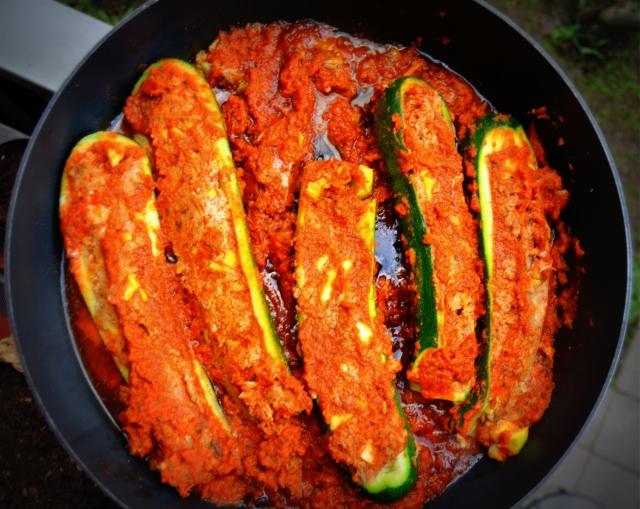 Tonfiskfyllda zucchini