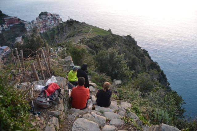 Picknick på stigen upp mot Volastra från Manarola i Cinque terre