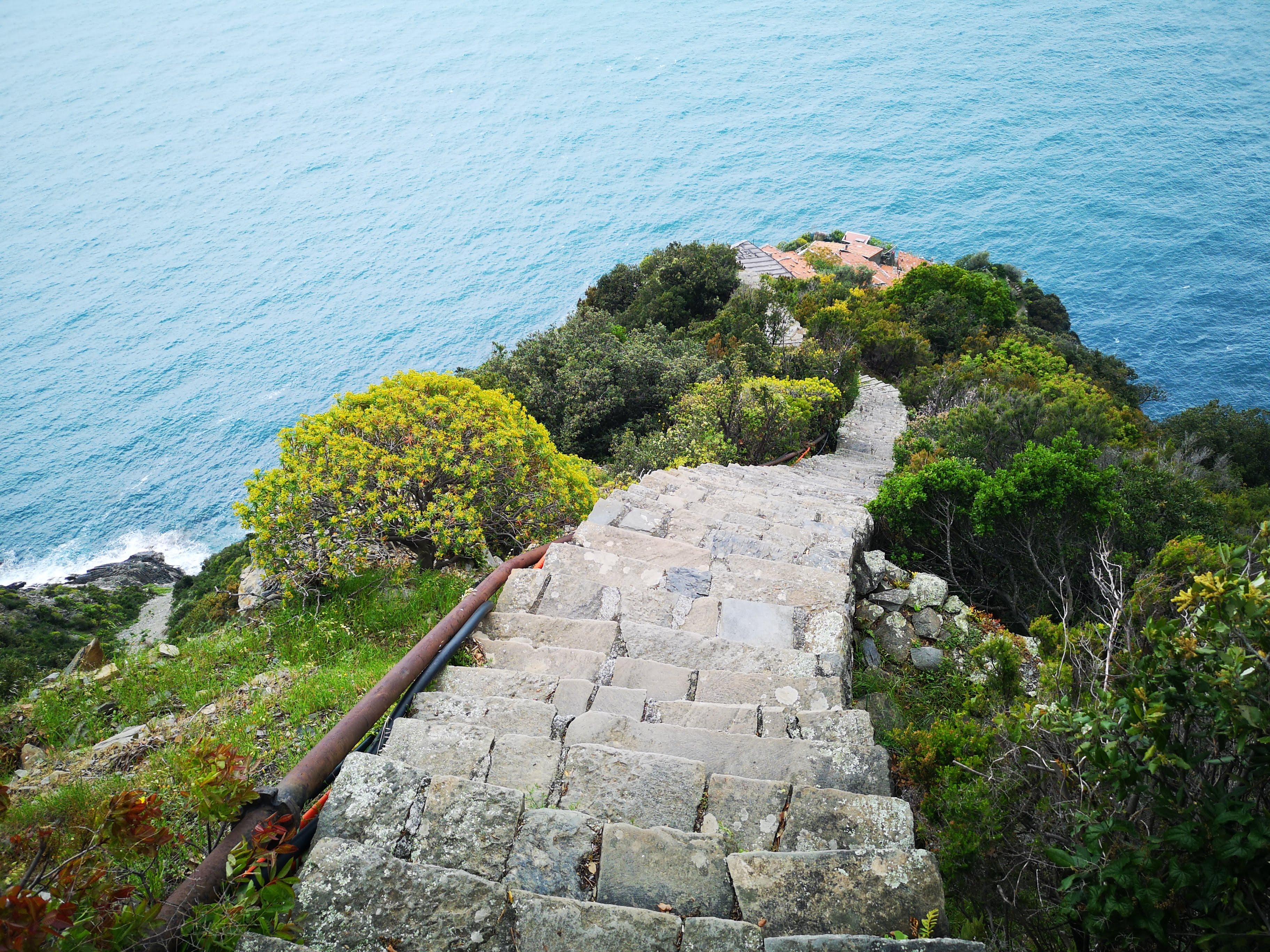 Trappan ner till Monesteroli i Cinque terre.